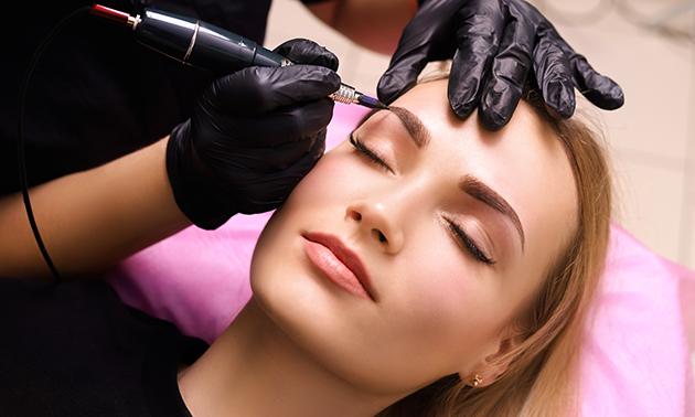 Cosmetics Studio 038