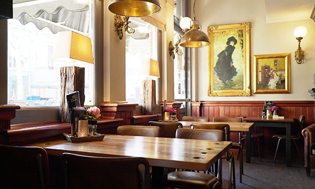 Grandcafé-Eetcafé De Majesteit