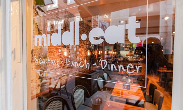Middl.Eat