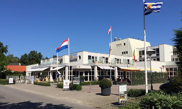Strandhotel en Restaurant Bos & Duin