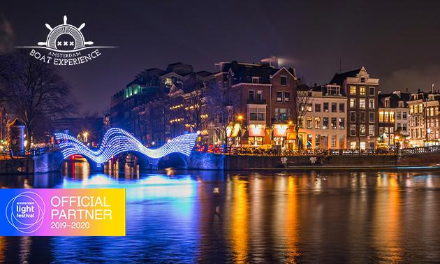 Rondvaart + drankjes + hapje tijdens Amsterdam Light Festival