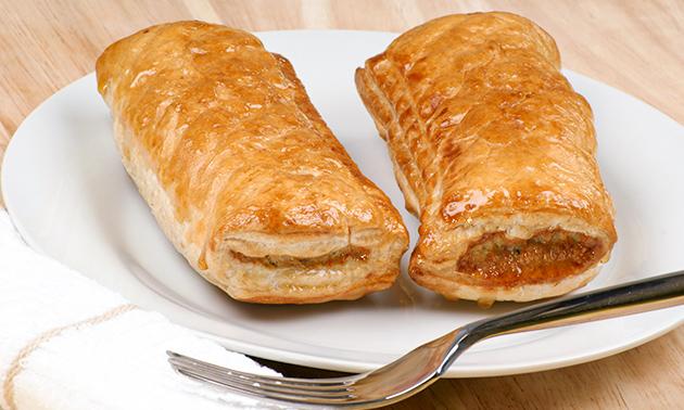 10 saucijzenbroodjes van Bakkerij 't Stoepje Elmar