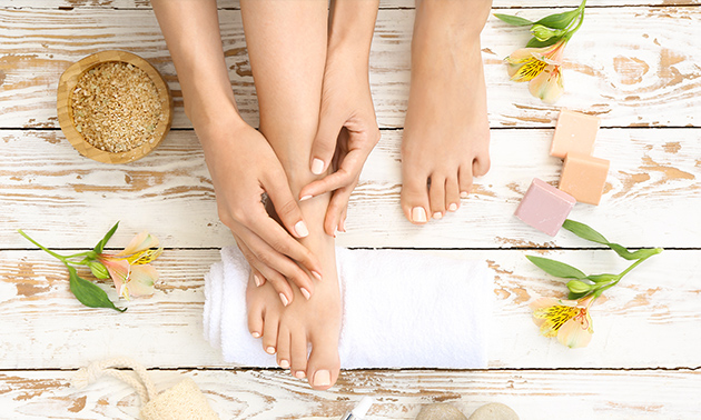 Manicure- en/of pedicurebehandeling (30, 60 of 90 min)