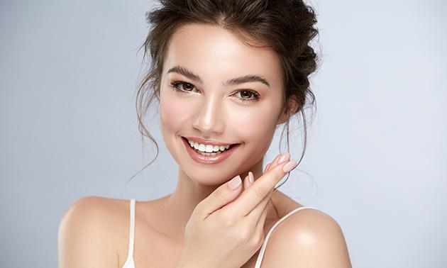 1 of 2 huidverbeterende gezichtsbehandelingen
