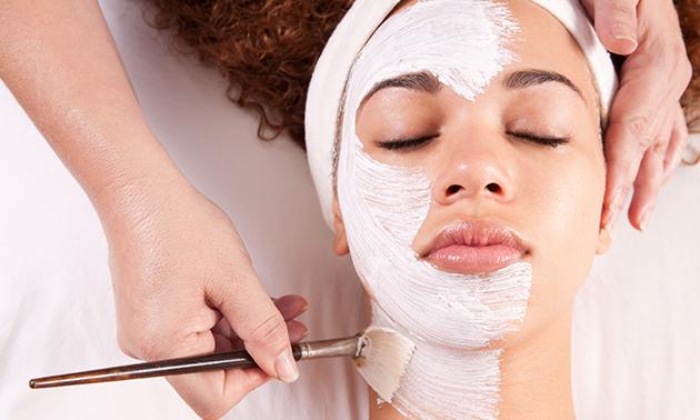 Huidverbeterende IPL-gezichtsbehandeling