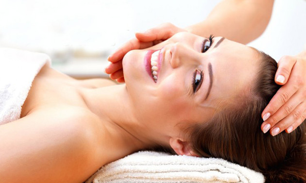 Gezichtsbehandeling + gezichtsmassage (60 min)