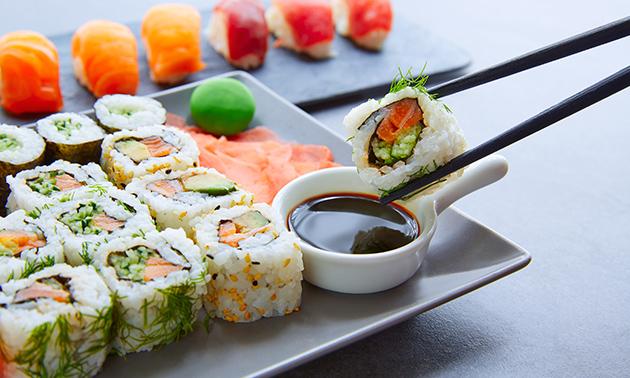 Afhalen: sushibox (24, 36 of 60) of sushi-burrito