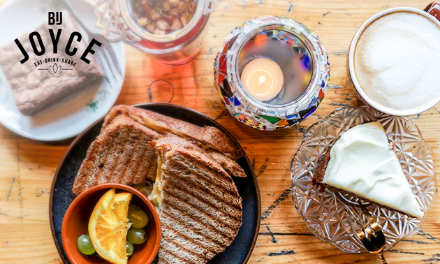 Tosti + drankje of high tostea (1,5 - 2 uur) bij Bij Joyce