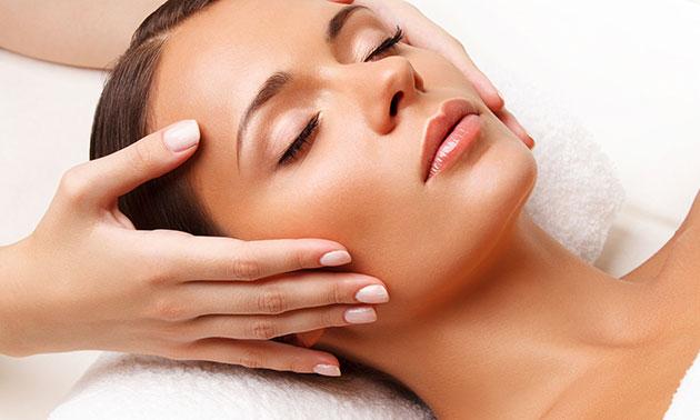 Pflegende Gesichtsbehandlung (45 Minuten)