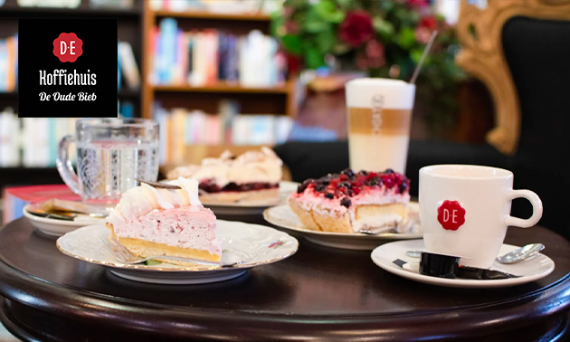 Koffie of thee + gebak naar keuze