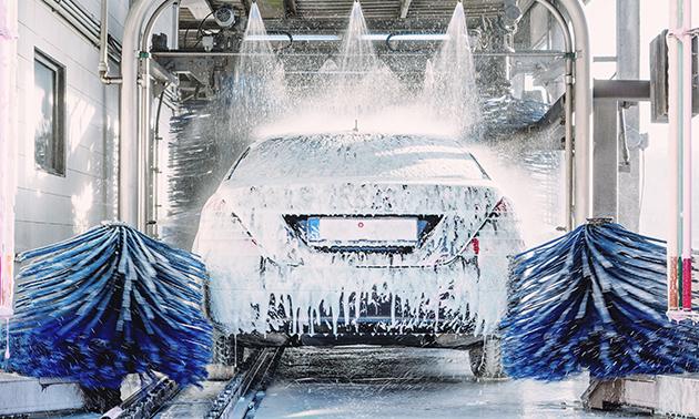 Luxe autowasbeurt bij Esso Sneek