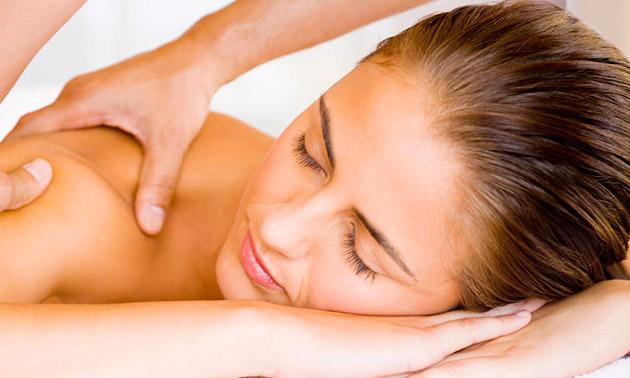 Modderpakking voor je gezicht of wellnessmassage