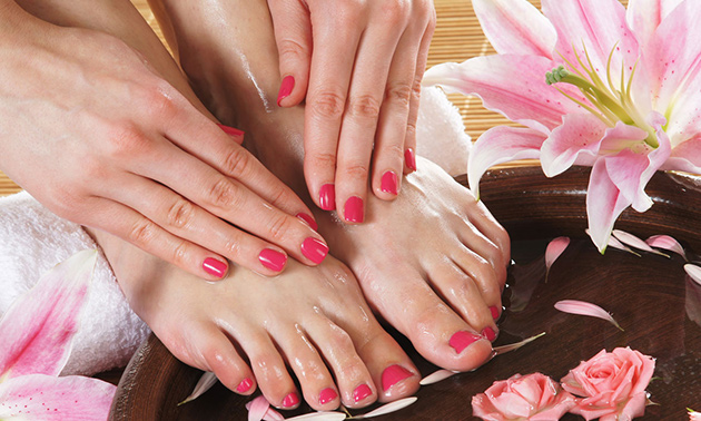 Manicure- of pedicurebehandeling