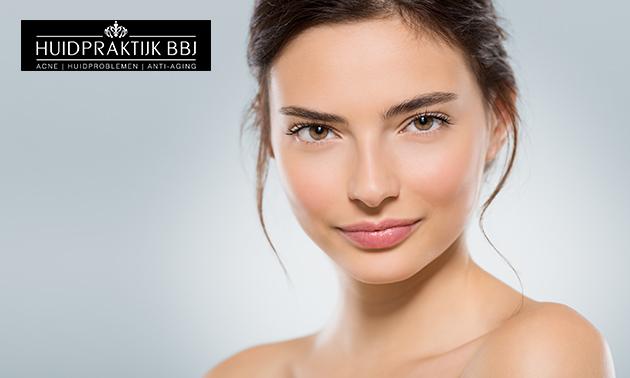 Acne- of huidverbeterende gezichtsbehandeling