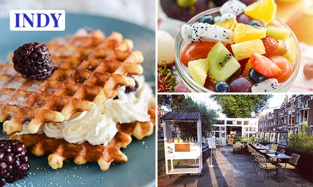 Luxe ontbijt + granaatappelshotje