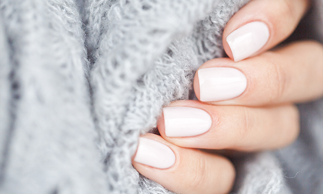 Mini-manicurebehandeling + gellak