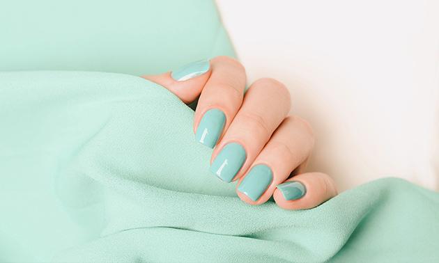 Gellak + manicurebehandeling