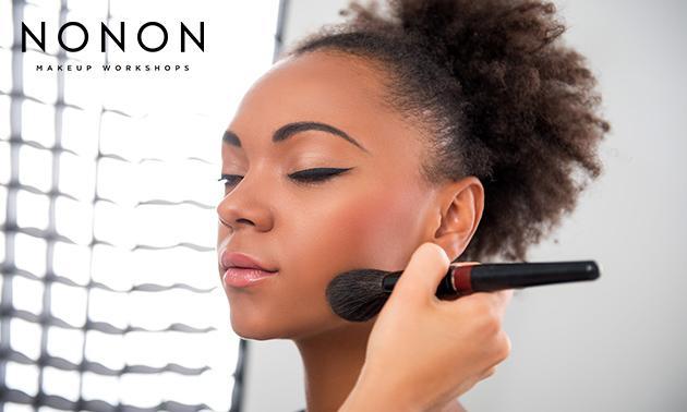 Workshop make-up + prosecco en hapjes + goodiebag