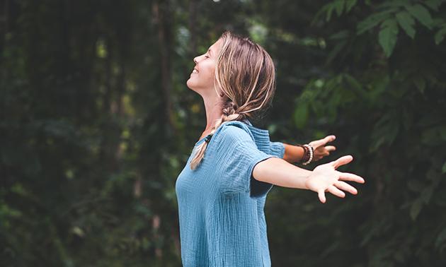 Reikibehandeling (60 min) of massage naar keuze