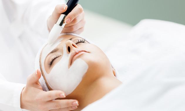 Huidverbeterende gezichtsbehandeling (75 of 90 min)