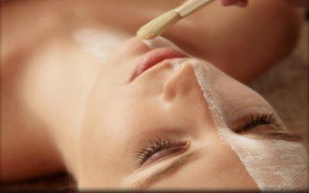 Beauty arrangement (90 min): gelaatsbehandeling inclusief huidanalyse, gezichtsmassage, Hydrojet massage en eventueel Lamdors mesovac line eraser