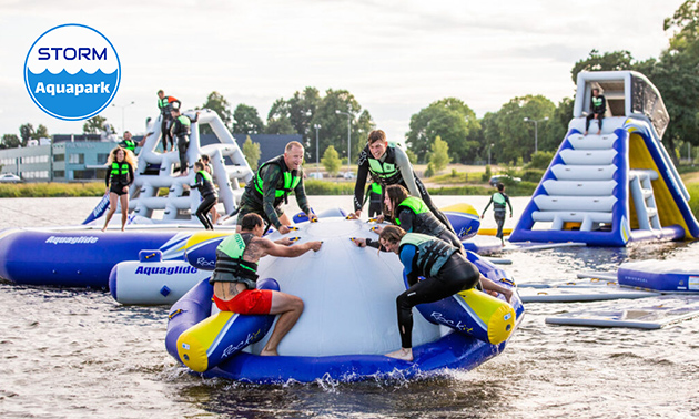 1 of 2 uur toegang + evt. ijsje bij Storm Aquapark Vlietland