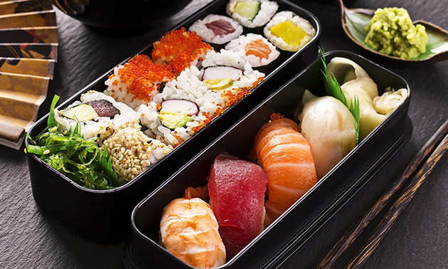 Take-away sushibox (16 of 40 stuks) in hartje Delft
