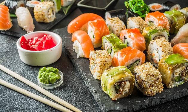 Thuisbezorgd of afhalen: sushibox (22, 28 of 54 stuks)