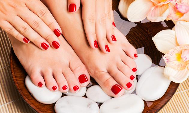 Cosmetische voetverzorgingsbehandeling